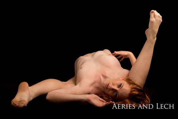 nude-muse-aeries-lech